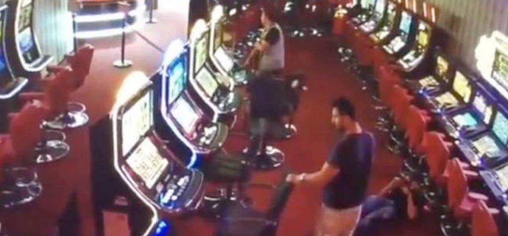 Se entrega el autor del tiroteo en una sala de juegos de Santa Coloma